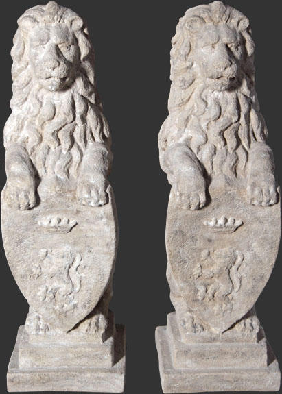 Fiberglass Heraldic Lions / Roman Stone Finish (SET OF 2)