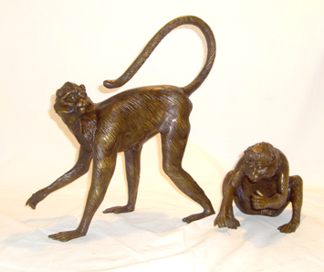 Couple spider monkey bronze